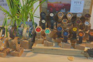 1915 watches - display met houten horloges bij TextTim.nl in Arnhem