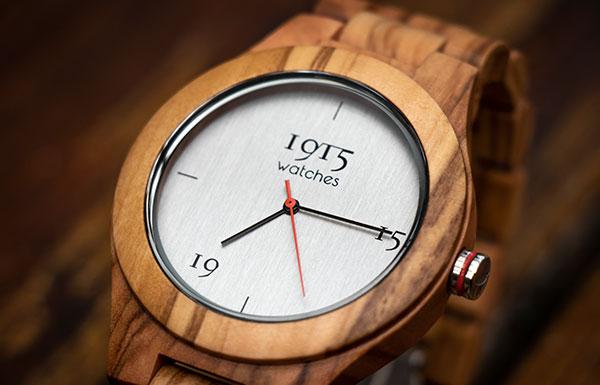 De olijfhouten herenhorloges uit de 1915 watches Milano collectie